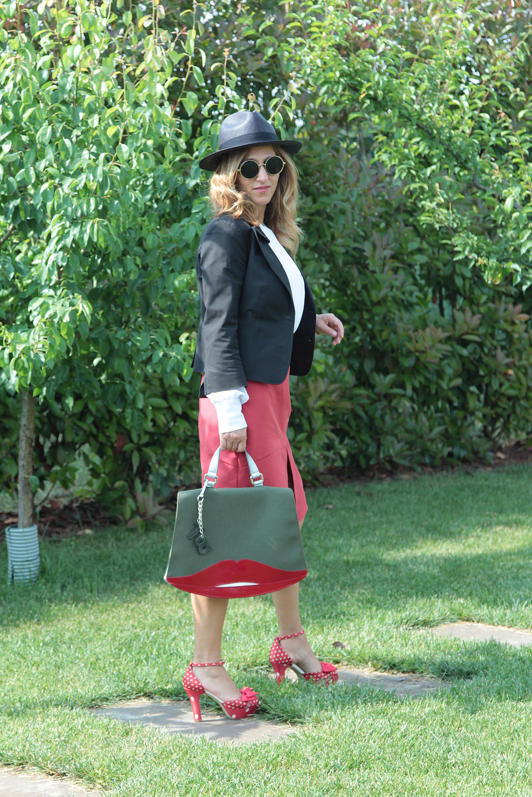 red skirt (3)