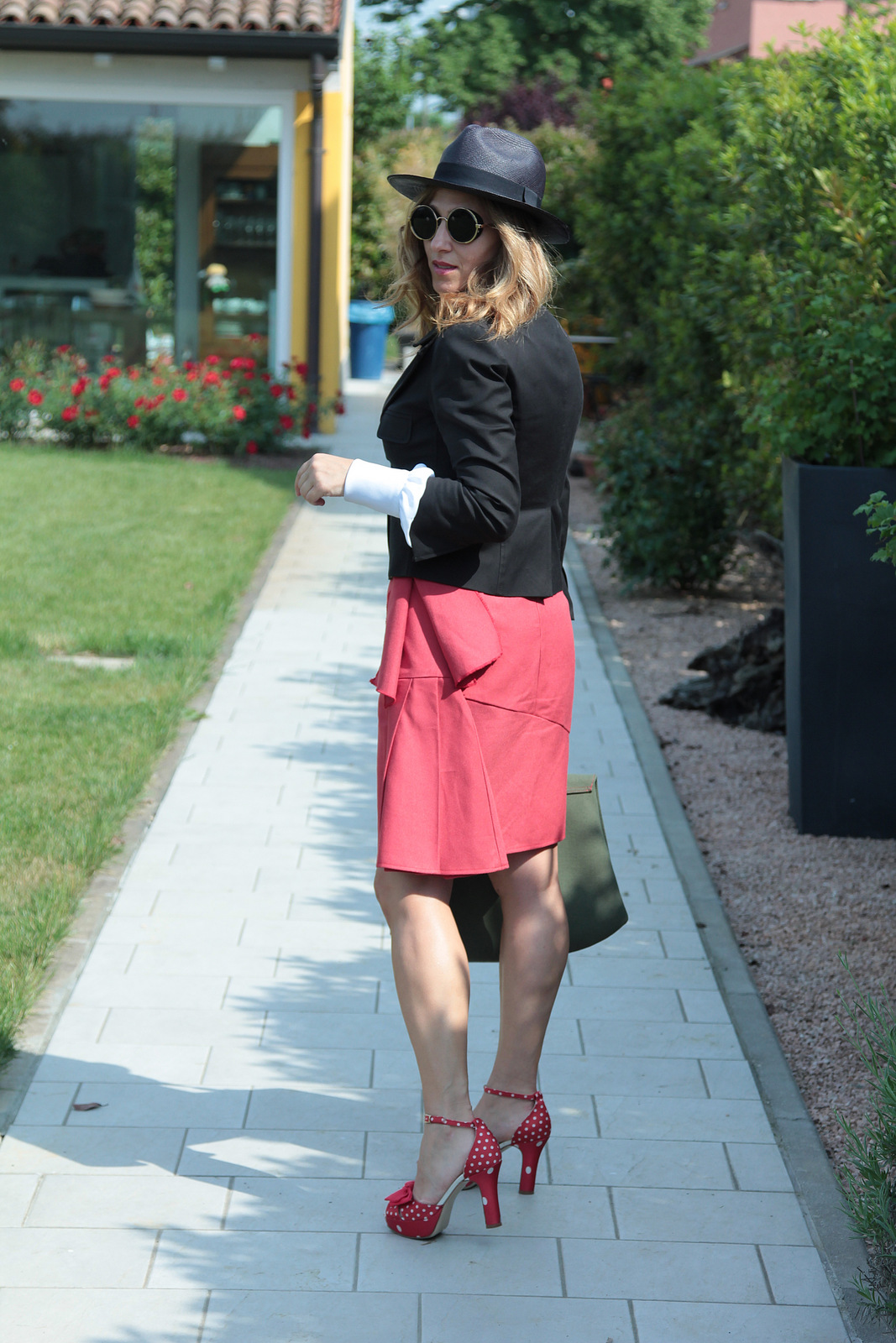 red skirt (5)